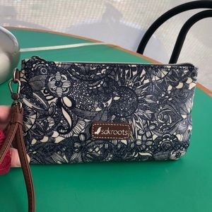Sakroots Blue & White Zippered Wristlet Pouch